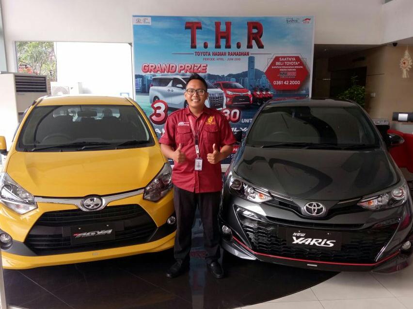 Sales Marketing Mobil Dealer Toyota Reza