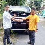 Foto-Penyerahan-Unit-2-Sales-Marketing-Mobil-Dealer-Mitsubishi-Solo-Agus