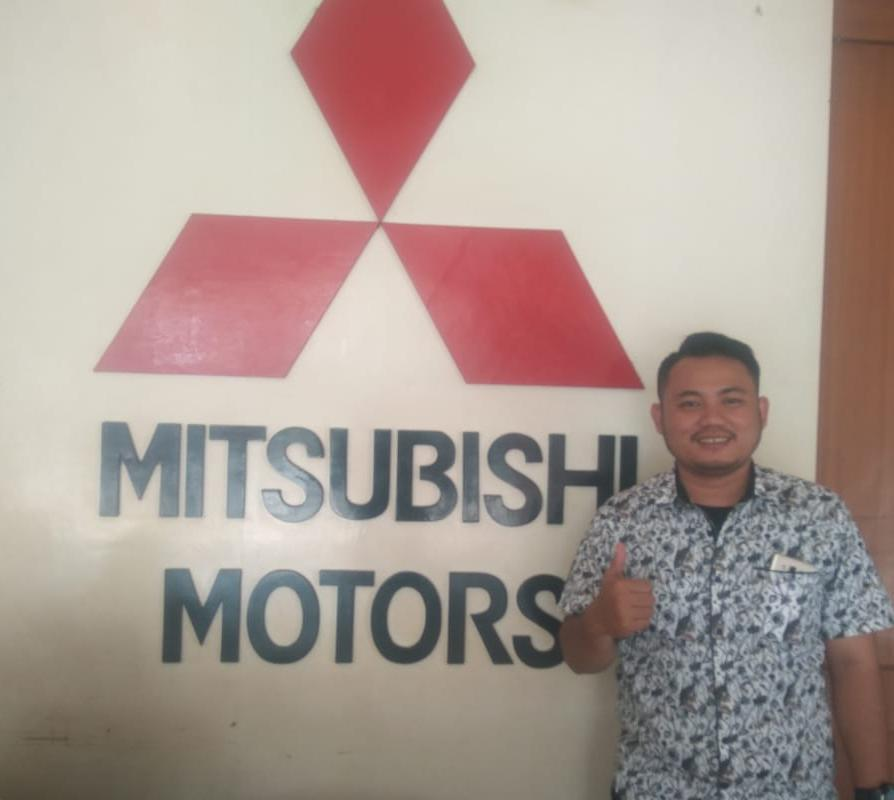 Sales Marketing Mobil Dealer Mitsubishi Alfi