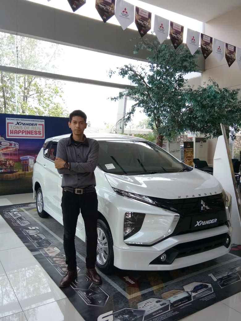 Sales Marketing Mobil Dealer Mitsubishi Donny