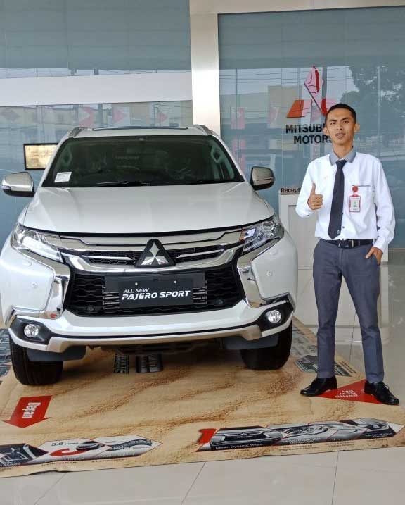 Sales Marketing Mobil Dealer Mitsubishi Handy