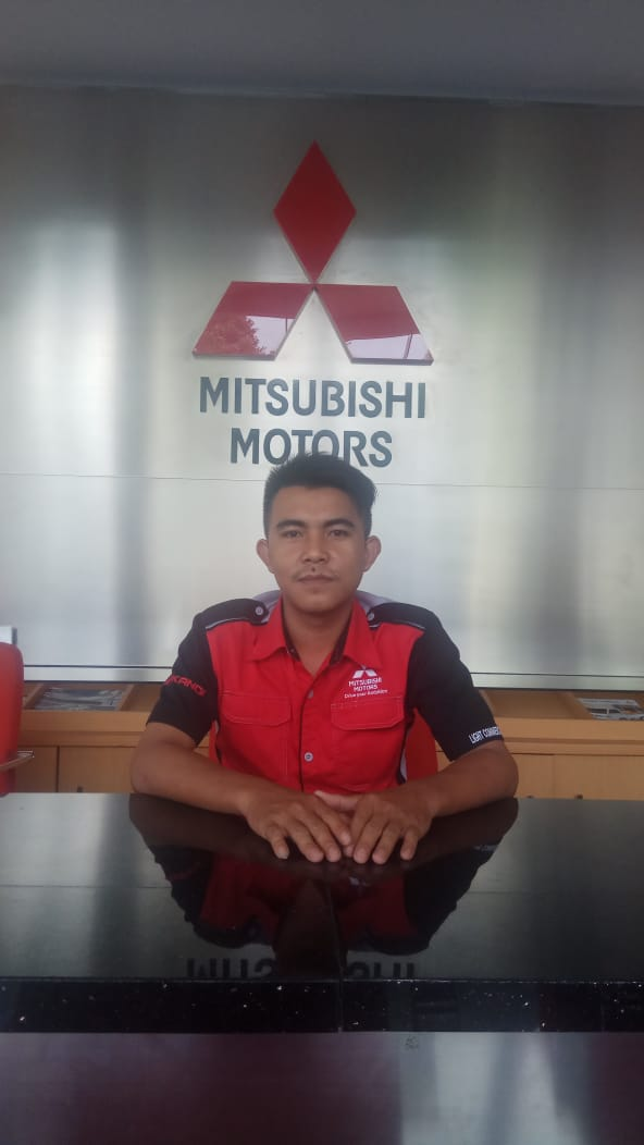 Sales Marketing Mobil Dealer Mitsubishi Rizal