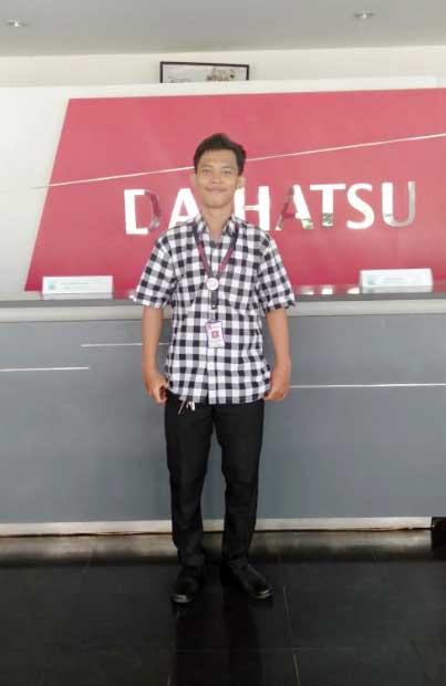 Sales Marketing Mobil Dealer Daihatsu Raihan