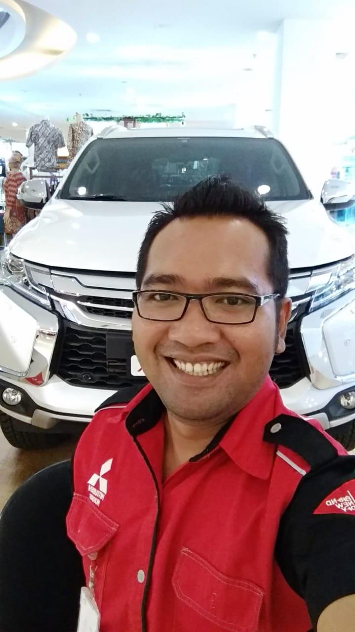Sales Marketing Mobil Dealer Mitsubishi Arfiyan