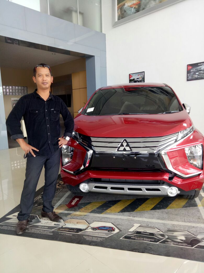 Sales Marketing Mobil Dealer Mitsubishi Fazza