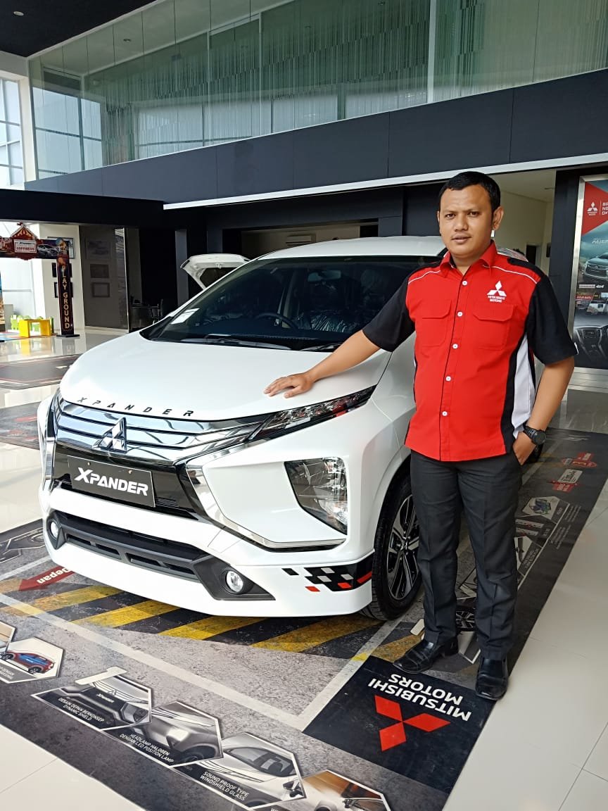 Sales Marketing Mobil Dealer Mitsubishi Sopyan