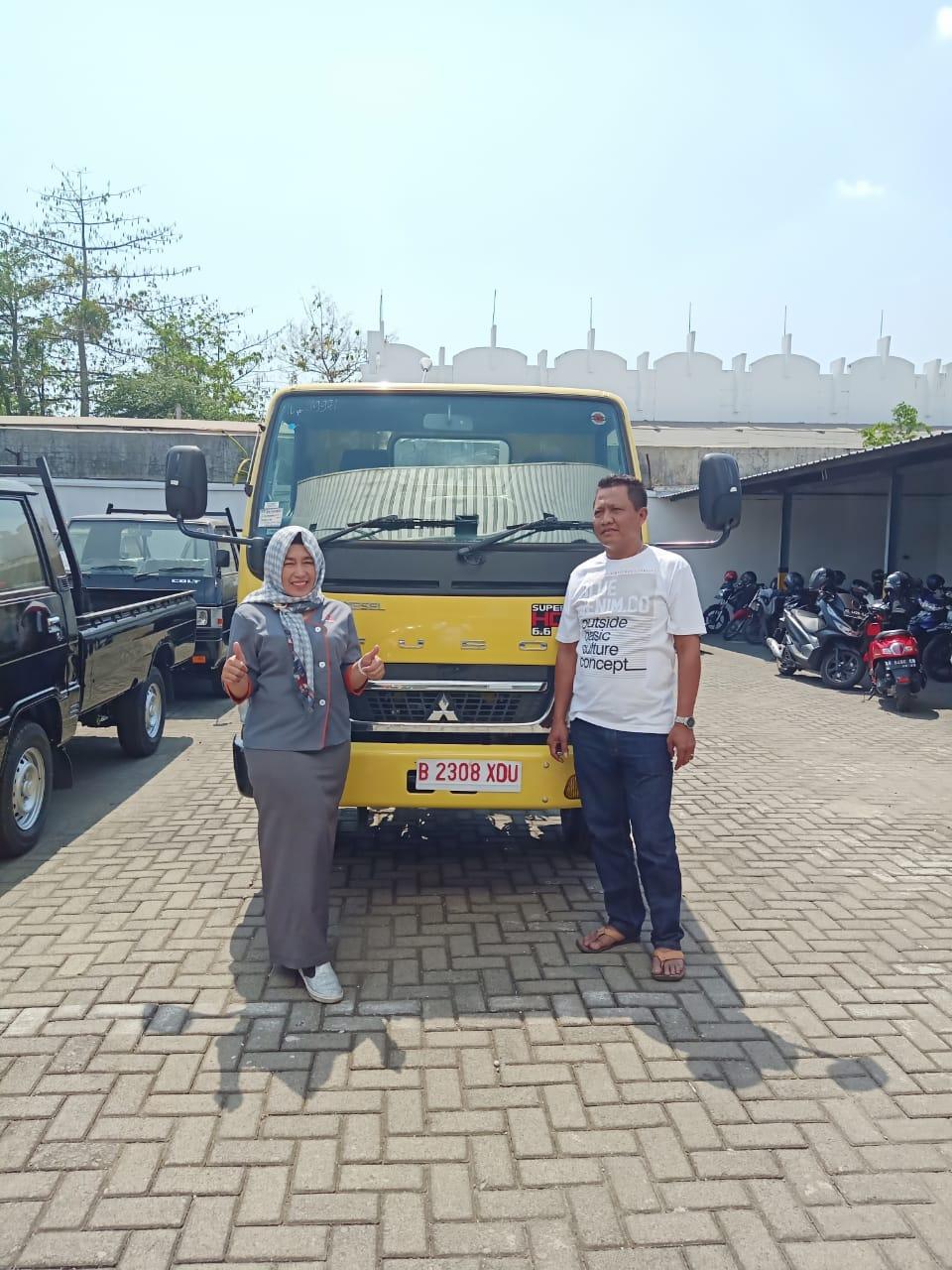 Sales Marketing Mobil Dealer Mitsubishi Kunti