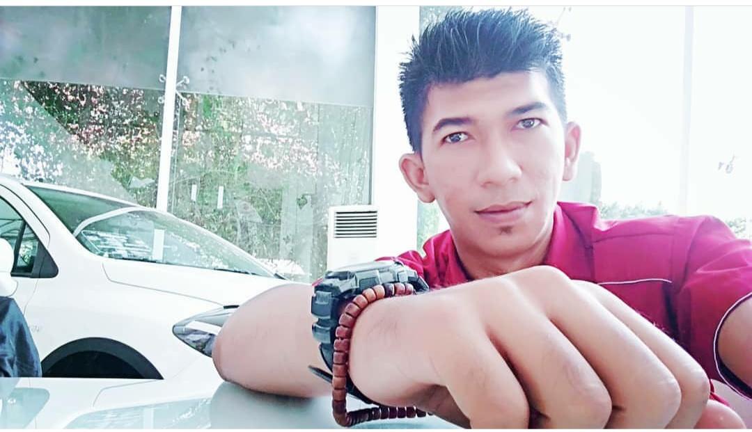 Sales Marketing Mobil Dealer Suzuki Arief
