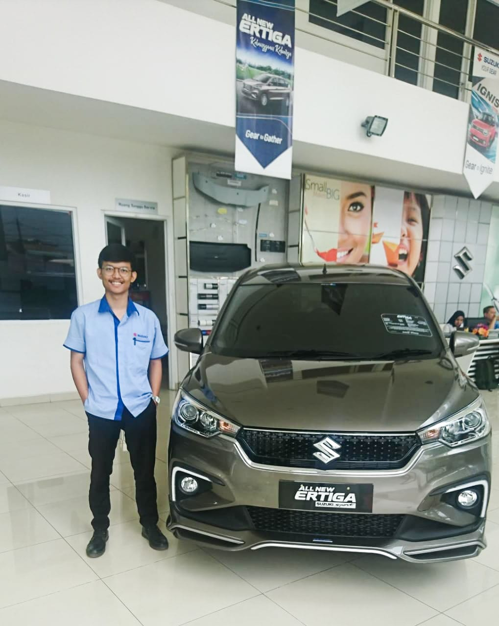 Sales Marketing Mobil Dealer Suzuki Riyo
