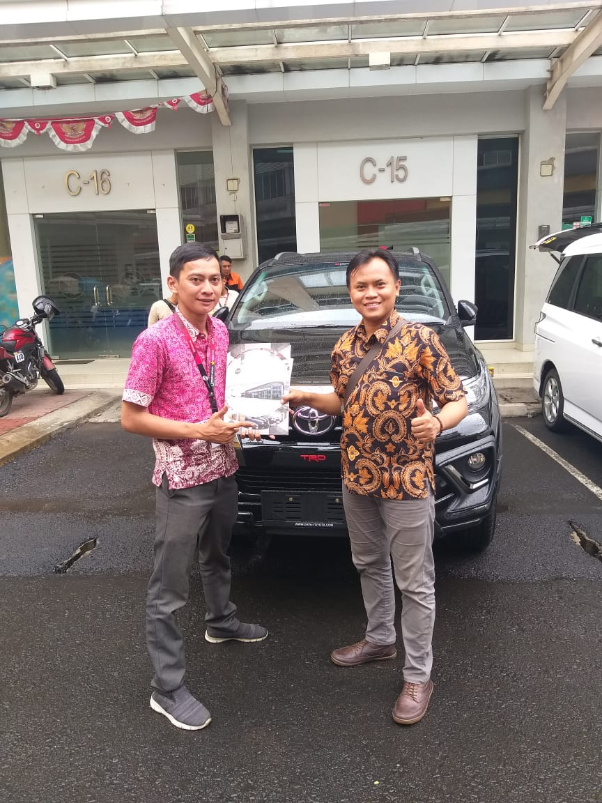DO Sales Marketing Mobil Dealer Toyota Agung (5)
