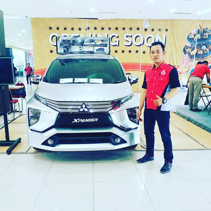 Sales Marketing Mobil Dealer Mitsubishi Teguh