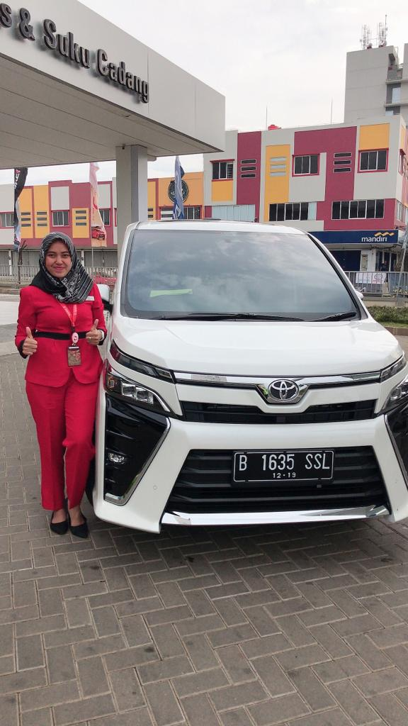 Sales Marketing Mobil Dealer Toyota Ida