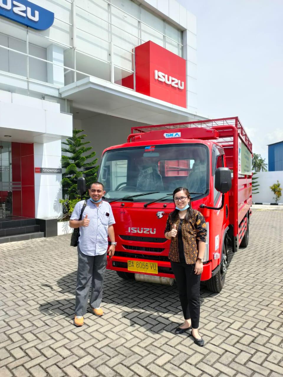 Sales Isuzu Padang